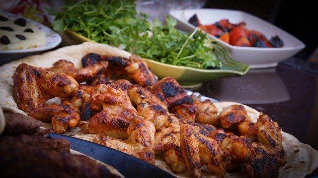fusi di pollo cosce di pollo e ali grigliate